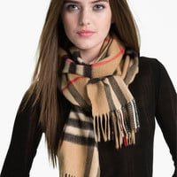 Women's Burberry Heritage Giant Check Fringed Cashmere Muffler