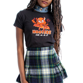 Not-Quite-Vintage 2001 Hooters Made Me Do It! BB Tee - XS/S