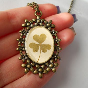 Real clover necklace, resin jewelry, shamrock pendant, heart shaped leaf clover pendant, clover in resin, clover jewelry, good luck jewelry