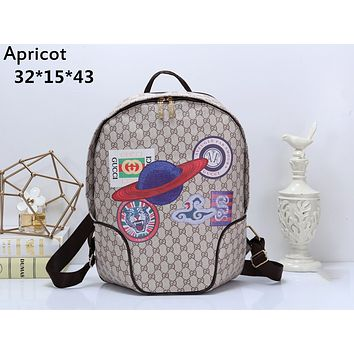 GUCCI 2019 new retro men and women models double G printing casual backpack apricot