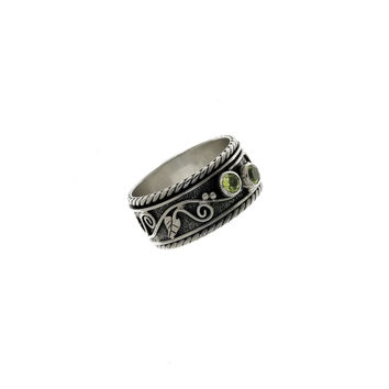 Ethos Sterling Silver And Peridot Spinner Ring