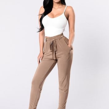 Push Play Pants - Mocha
