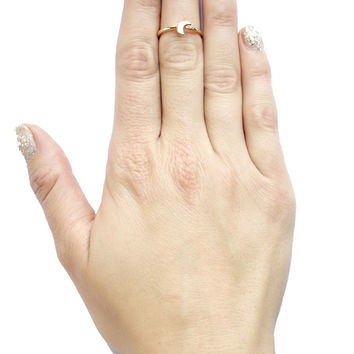 Crecent Moon Midi Ring