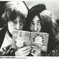 John Lennon and Yoko Ono London 1971 Poster 24x33