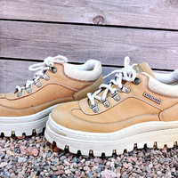 90s platform Skechers shoes / size US 7.5 EU 37.5 / 80s / 90s chunky leather platforms shoes / camel brown lace up ankle boots / shoes