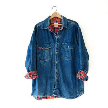 Vintage oversized denim shirt. Denim work shirt. Lined jean shirt. mens XL