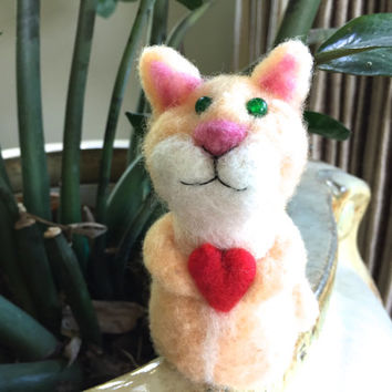 Needle felted Cat needle felted Kitten felting cat felting kitten felting animal needle felt felting cat yellow red heart love cute kitty