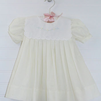 Vintage baby dress. Light Yellow pleated with white bib collar, Carters sz 6 mo