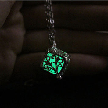 Glowing Steampunk Pretty Magic Round Fairy Locket Glow In The Dark Pendant Necklace Gift Glowing Luminous Vintage Necklace