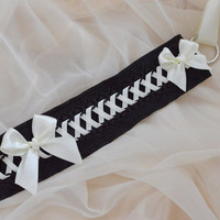 Wicked bone - black and ivory cream yellow gothic choker - steampunk gothic lolita kitten pet play collar neko girl cosplay