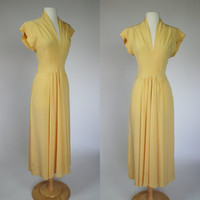 1940's yellow rayon dress long gown with short sleeves and V neck WWII dress size medium US 8