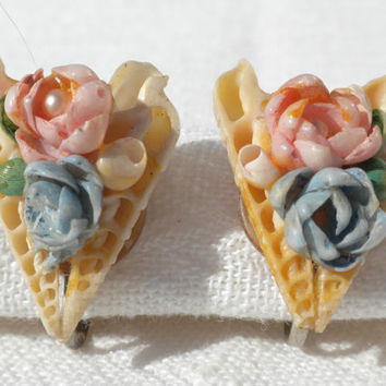 Seashell Earrings Heart Earrings Rose Earrings Unusual Jewelry 1940s Screw Back Earrings Shell Jewelry Valentines Gift Beach Jewelry