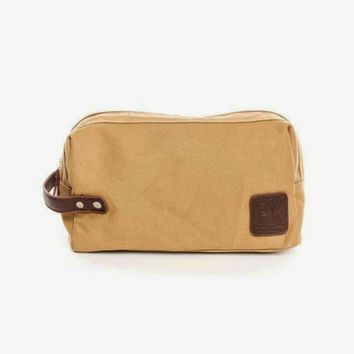 Fletcher Travel Kit in Camel