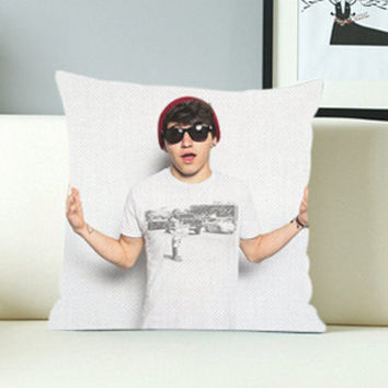 Jc Caylen - Design Pillow Case with Black/White Color.