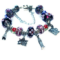 I love to travel Charms Bracelet .- For her, friend, sweet sixteen, sister, new york, paris, london tower, eiffel, purple
