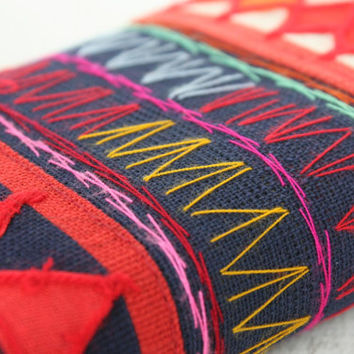 Vintage Wallet Hand Embroidered Clutch Hill Tribe Fabric Fair Trade Thailand (BG805-B)