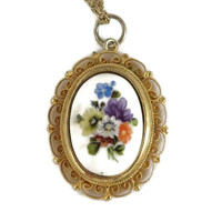 Vintage Italy Porcelain Flower Cameo Pendant Gold Tone Necklace