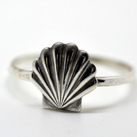Large Silver Seashell Ring, Hammered Sterling Silver Ring, Shell Jewelry, Seashells