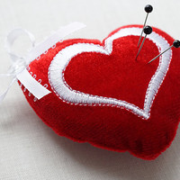 Valentine's Day Gift Red Heart Pin Cushion Valentines Heart Small Velvet Heart Mini Doll Size Pillow Plush Heart Plushie Heart Stuffed Toy