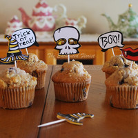Halloween cupcake topper, Halloween cupcake pick, cupcake toppers, Halloween favors, cake topper, Halloween decoration, treat toppers