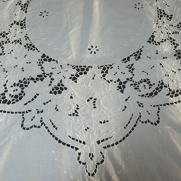 1980s Vintage White Cotton Round Tablecloth, Fruit & Flower Cut Work Eyelet, White Embroidery, 62 In. Round, Vintage Table Linen, 1980 Decor