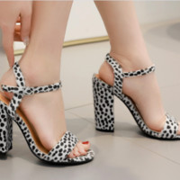 Hot style sells sexy leopard print horsehair chunky heel sandals