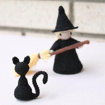 Crochet Black Cat: Halloween; amigurumi; little trinket; home decor