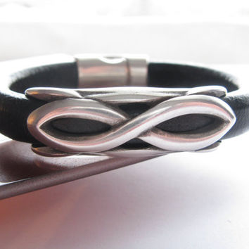 Regaliz Thick Leather and Metal Cuff/Bracelet, Black Leather, Silver Infinity Symbol, Unisex