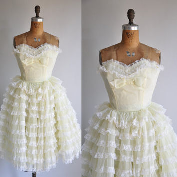 vintage 1950s buttercup yellow Gone With The by simplicityisbliss