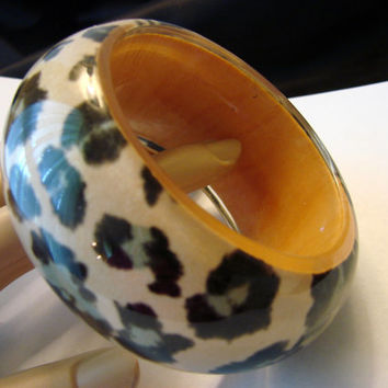 Chunky Vintage Amber Lucite Bangle Bracelet / Animal Print / Clear Lucite / Jewelry / Jewellery
