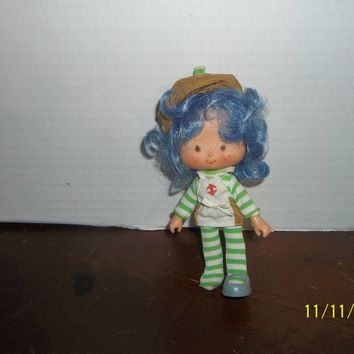 "vintage 1980's strawberry shortcake crepe suzette doll 5 1/4"" tall"