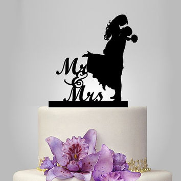 bride and groom silhouette wedding cake topper, monogram cake topper, funny cake topper,gold  wedding cake decoration, custom cake topper