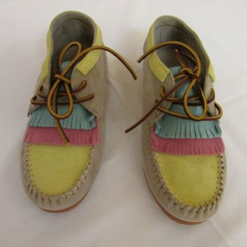 EASTLAND MESA 1955 Taupe Yellow Pink Suede Designer Moccasin Fringe Bootie 8.5 M
