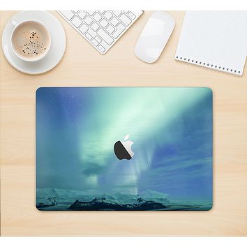 "The Glowing Northern Lights Skin Kit for the 12"" Apple MacBook"