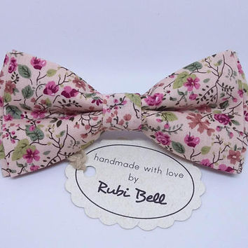 Pink flower bow tie, blush wedding tie, mens floral neck wear, bow tie with pink flowers, bow ties for men, pocket square, wedding bows