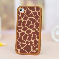MagicPieces Case for iPhone 4/4S Giraffe Brown
