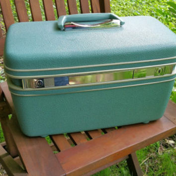Samsonite Silhouette Aqua Train Case with Tray  Excellent Condition