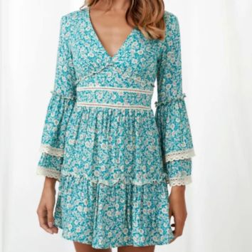 Women's Vintage Cotton Stitching Lace V-Neck Flare Sleeve Dress
