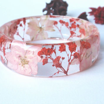 Eco Resin Bangle Bracelet - Size L, Real Flower Resin Bracelet, Chunky Thick Rounded Bangle, Real Plant Bracelet, Pink and Red