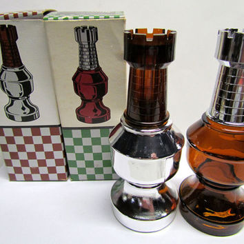 Set of 2 Vintage Avon THE ROOK Chess piece Decanters / Bottle Figurines, with original boxes, Bottles are both Empty