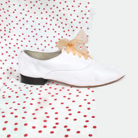 White Leather Oxfords Vintage Dancing Shoes Brogues Lace Up Loafers Pink Ribbon Laces Minimalist American Apparel Flats (8)