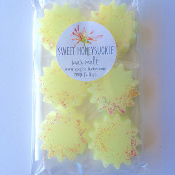 Sweet Honeysuckle Wax Melt - Wax Tart - Soy Wax Melt - Highly Scented - Maximum Fragrance - Floral Scent - Yankee Dupe