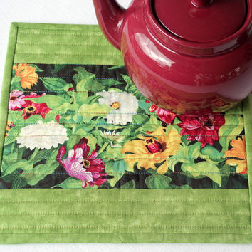 Green Floral Trivet - Insulated Trivet - Quilted Trivet - Hot Pad - Floral Green Pot Holder - Mother's Day Gift