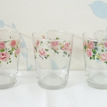 Small Glasses x 3, Hand Painted Roses, Liqueur, Shot Glasses, Shooter Glass, Saloon Glass, Clear Glass, Snifter, Barware, Glassware