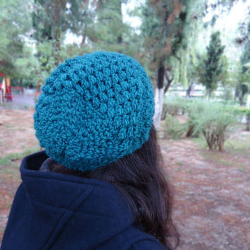 Slouchy crochet green beanie, womens crochet hat, crochet cap, womens accessories, chunky wool beanie, winter accessories, green hat