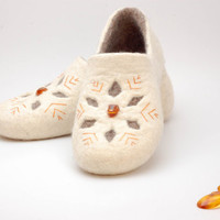 Felted wool clogs Baltic Amber - felt slippers white grey gold - Wedding slippers
