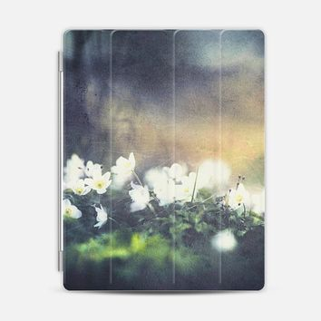 Rugged beauty - iPad cover iPad 3/4 cover by Happy Melvin | Casetify