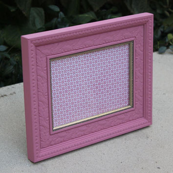 Bright pink leaf pattern 5 x 7 picture frame