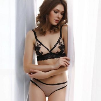Embroidered bra set sexy lace edge without steel underwear