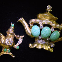 Tea Pots (2) Brooch-Pin, Jade Green Art Glass, Rhinestones, Seed Pearls, Gold Tone.... Vintage